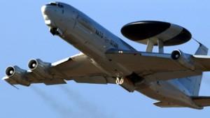 Nato: Awacs-Aufklärer zur Fahndung