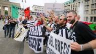 Fans empfangen Teams aus Turin und Barcelona