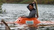 Hühnerbauer konstruiert eigenes U-Boot und taucht ab