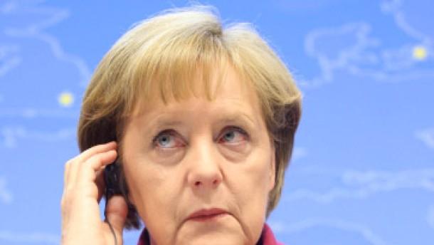 Merkel verteidigt Notfallhilfe für Griechenland