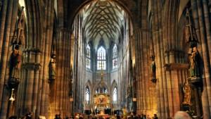 Wie die Kirche sich von den Heiden finanzieren lässt