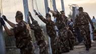 Ungarn macht Grenze zu Serbien für Flüchtlinge dicht