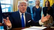 Trump will umstrittenen Bau von Ölpipelines vorantreiben