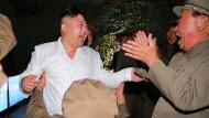 Kim Jong-un verfolgt Raketentest
