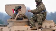 Nato verlegt Streitkräfte an die Ostgrenze