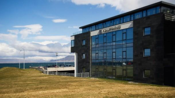 Die Banken- und Währungskrise hat Island erreicht: Banker von Zentralbank umd Privatbanken berichten über Auslandsexpansion der Banken und Börse