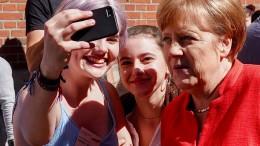 Merkel spricht mit Schülern über Europa