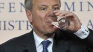 Er wird nun nicht in Kehl essen und trinken: Nato-Generalsekretär Jaap de Hoop Scheffer
