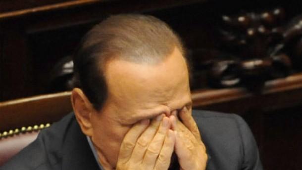 Fini zieht seine Minister ab