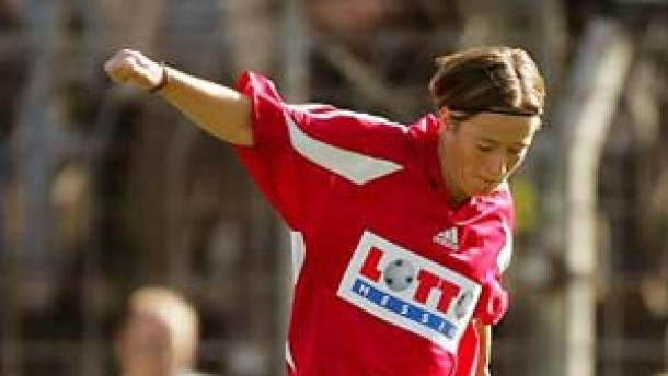 Frankfurt nach 3:1 über London im Uefa-Cup-Halbfinale