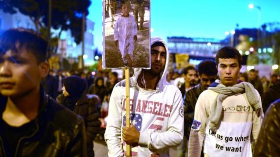 Proteste gegen Rückführung von Flüchtlingen