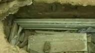 Diebe stehlen zehn Leichname von einem Friedhof