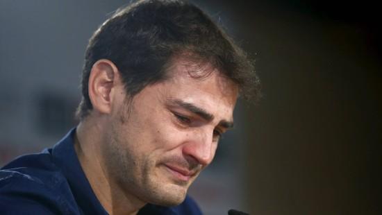 Torwart Iker Casillas weint bei Abschieds-Pressekonferenz