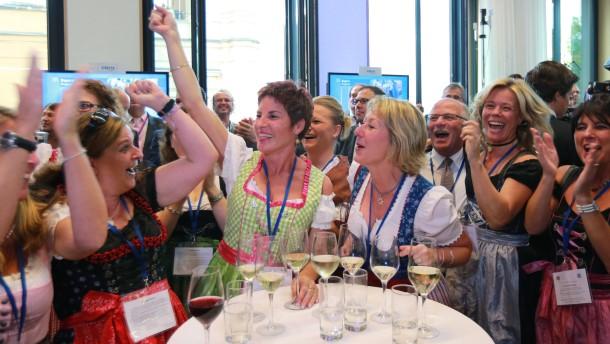 Jubel bei diesen CSU-Anhängerinnen im Landtag in München