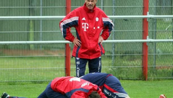 Die Bayern starten - und Hoeneß greift an
