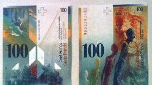 Schweizer intervenieren aus Angst vor Deflation