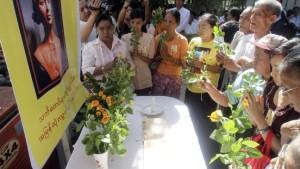 Demonstration zu Aung San Suu Kyis Geburtstag