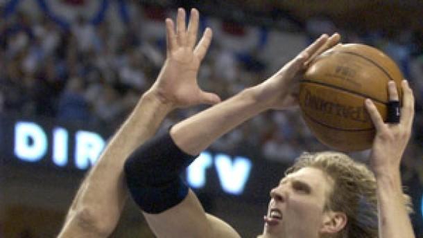 Dallas vor Final-Einzug - Geldstrafe für Nowitzki