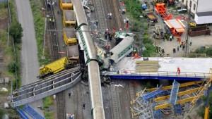 Mindestens sieben Tote bei Zugunglück in Tchechien