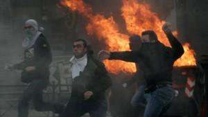Mit Feuer und Flamme gegen Griechenland