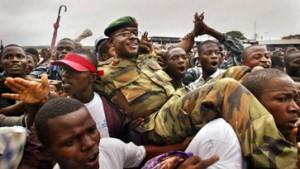 Friedenstruppen begeistert empfangen