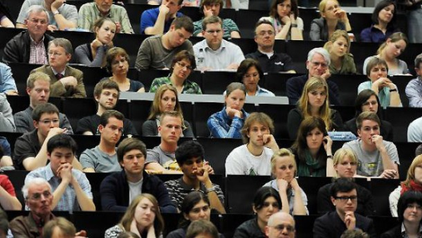 Ausbildung zentrale Aufgabe der Hochschulen