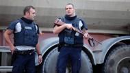 Überfall bei Paris: 18 Geiseln befreit