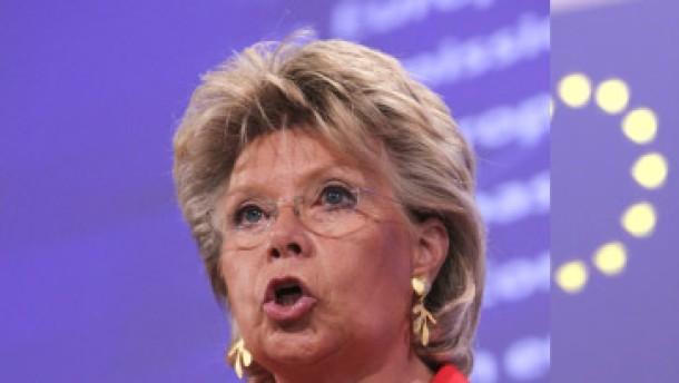Bundesregierung distanziert sich von Aussagen Redings