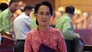 Erste Parlamentssitzung in Burma