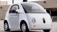 Im Herbst letzten Jahres: Google und Tesla mit ihren Auto-Neuheiten