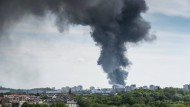 Großbrand in Berliner Lagerhalle