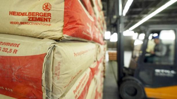 Razzia bei Zementherstellern