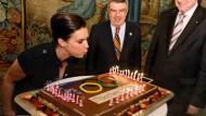 Katarina Witt, DOSB-Präsident Thomas Bach und Ministerpräsident Seehofer: Wird die Olympiabewerbung zur Erfolgsgeschichte?