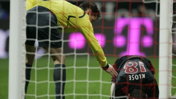 Kahn und Klose verletzt - FC Bayern angeschlagen