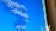 Riesige Aschewolke nach Ausbruch in Peru
