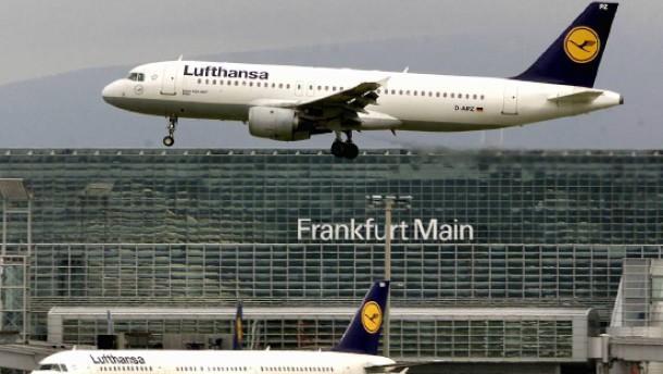 Erbitterter Streit um Flug und Recht