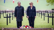 Merkel und Hollande gedenken in Verdun der Gefallenen des Ersten Weltkriegs