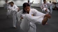 Polizistinnen sollen mit Karate für Sicherheit sorgen