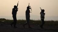 30 Tote bei Angriff auf IS-Ölraffinerie