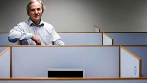 Portrait Prof. Ernst Fehr, Direktor des Instituts für empirische Wirtschaftsforschung an der Universität Zürich