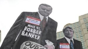 Banker an die Laternen!
