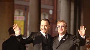 Elton John und David Furnish haben sich getraut