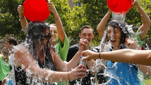 "Forschungserfolg dank ""Ice Bucket Challenge"""