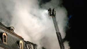 Verheerender Großbrand in Anna-Amalia-Bibliothek