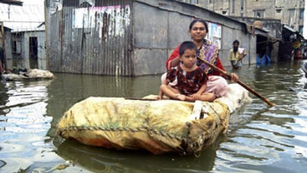 Bangladesh versinkt in den Fluten