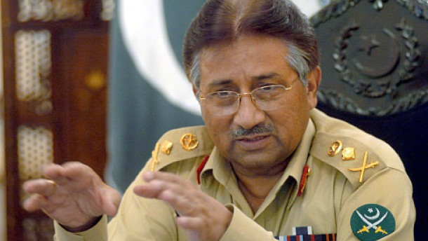 Explosionen erschüttern Rote Moschee -<BR/>Schüsse auf Präsident Musharraf