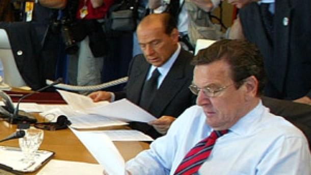 Schröder rechnet mit Erholung der Konjunktur
