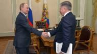 Putin augenscheinlich gesund und munter