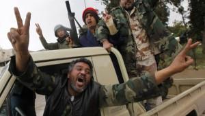 Gaddafi-Gegner bilden Übergangsregierung