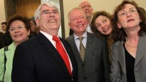 Nach der Wahl formieren sich die neuen Koalitionen